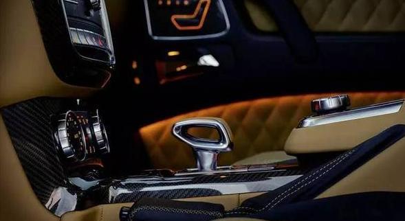 一只百达翡丽手表,可买99台SUV