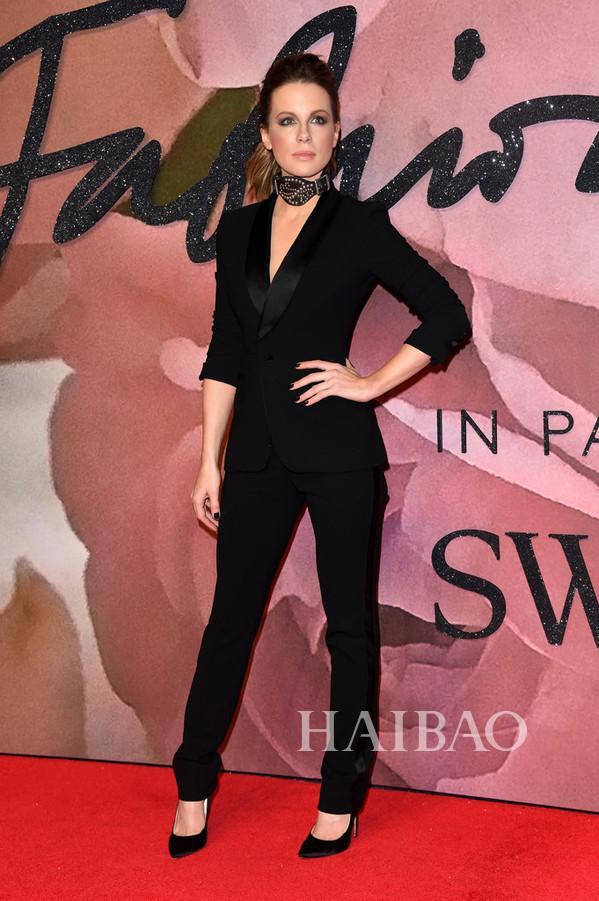 凯特·贝金赛尔(Kate Beckinsale) 亮相2016英国时尚大奖