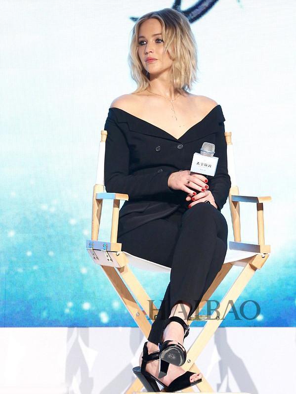 詹妮弗·劳伦斯(Jennifer Lawrence) 来到中国为新电影《太空旅客》做宣传